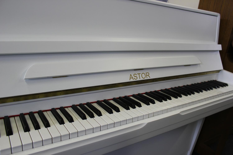 Astor, Mod. P-8 Klavier