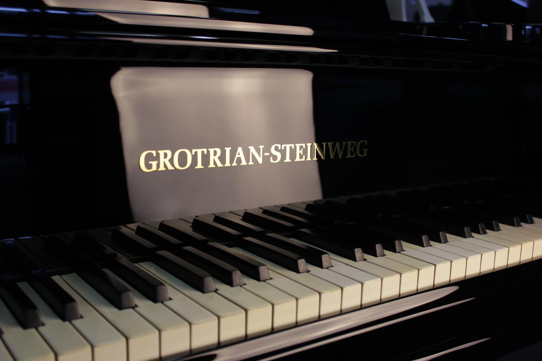 Grotrian-Steinweg, Mod. 240 Flügel