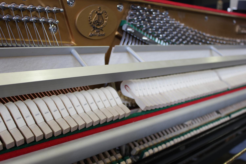 Lothar Shell, Mod. 107 Klavier