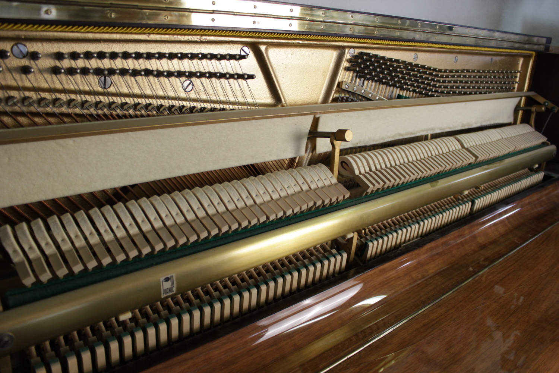 Rönisch Klavier