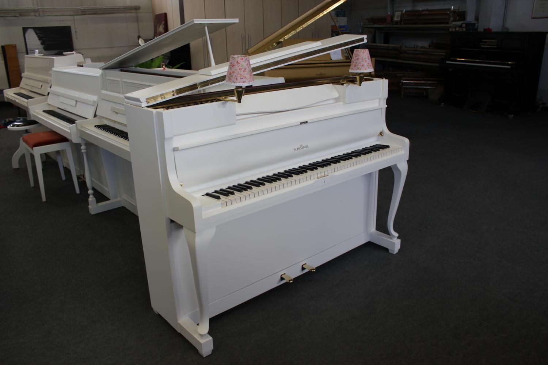 Schimmel, Mod. 108N - Chippendale Klavier