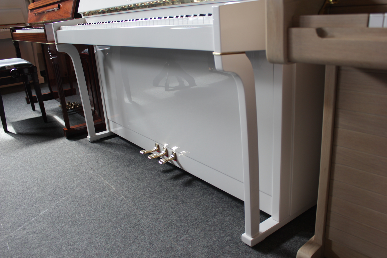 Schimmel Klavier