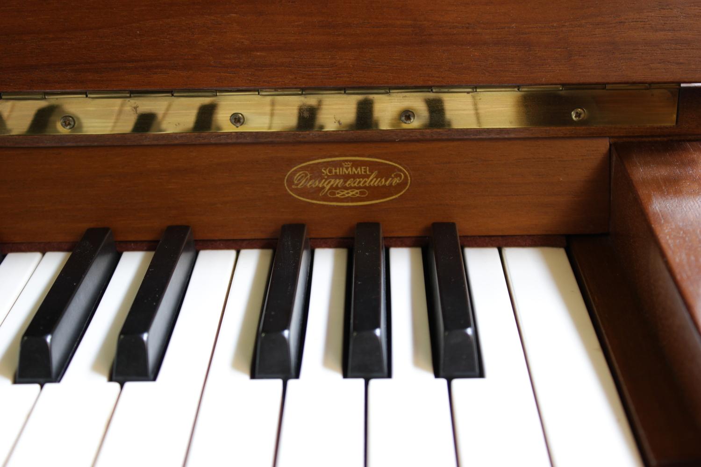 Schimmel, Mod. Design Exclusiv Altdeutsch Klavier