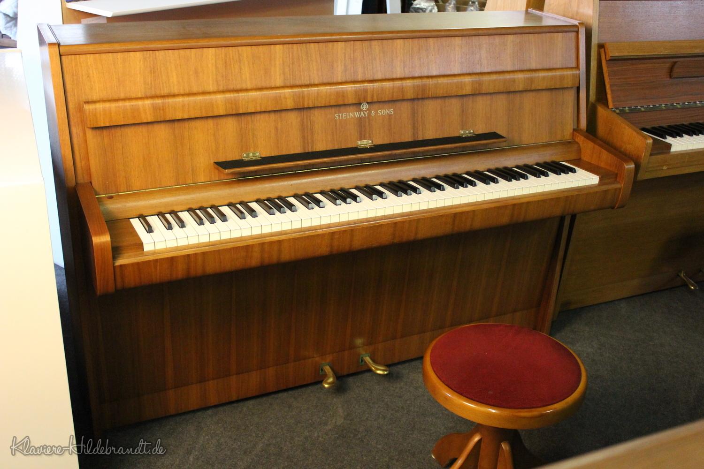 Steinway & Sons, Mod. F Klavier