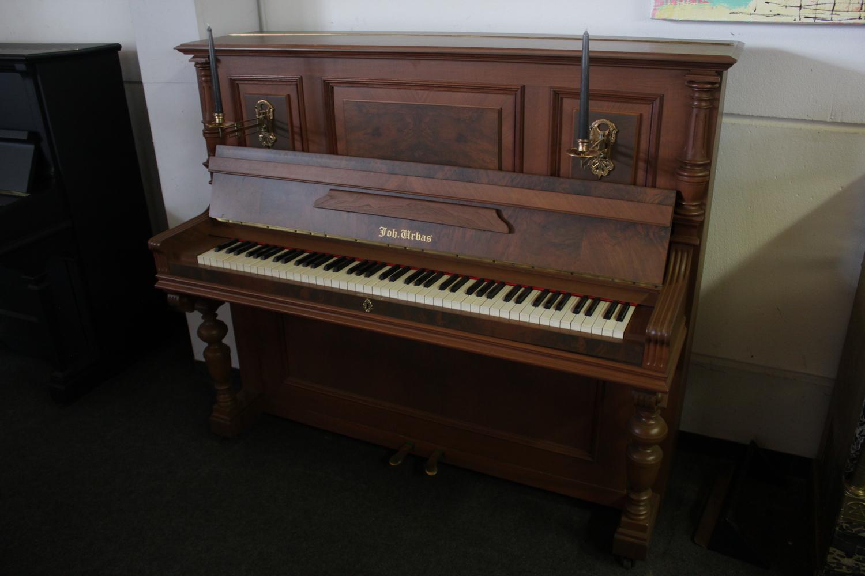 Urbas Klavier