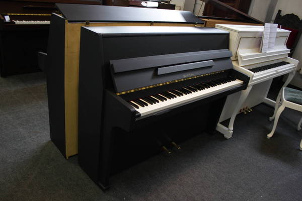 Barratt & Robinson Klavier, Mod. 105