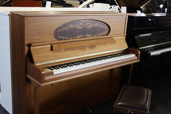 Grotrian Steinweg Klavier, Mod. Classic