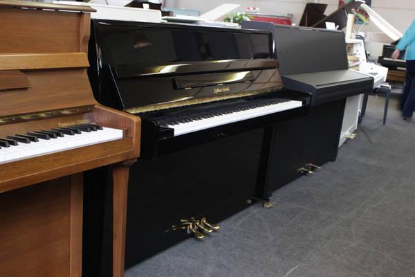 Lothar Shell Klavier, Mod. 107