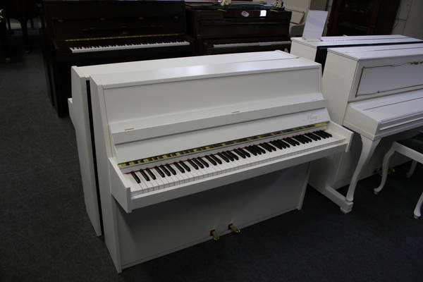 May Klavier, Mod. 104