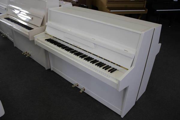 Rönisch Klavier, Mod. 107