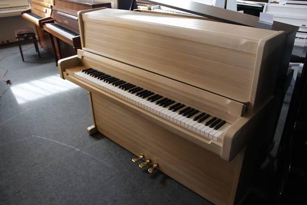 Schimmel Klavier, Mod. 112 - Design exklusiv