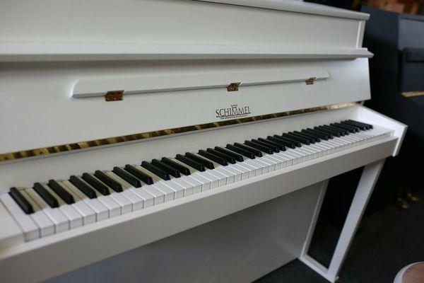 Schimmel Klavier, Mod. 105