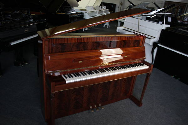 Schimmel Klavier, Mod. 112 - Empire