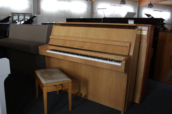 Schimmel Klavier, Mod. 112 inkl. Neulackierung
