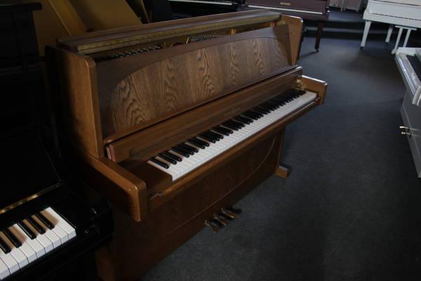 Schimmel Klavier , Mod. 112 - Design Exclusive