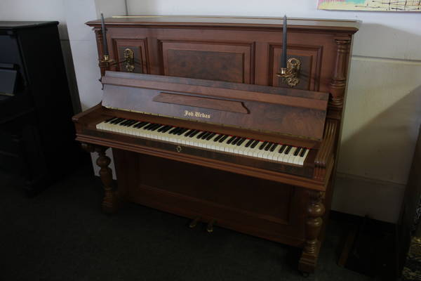 Urbas Klavier, Mod. 132