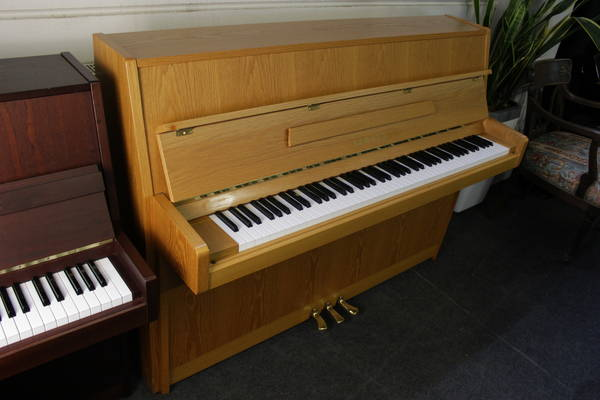 Yamaha Klavier, Mod. M110