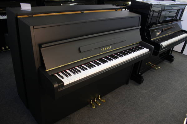 Yamaha Klavier, Mod. 107
