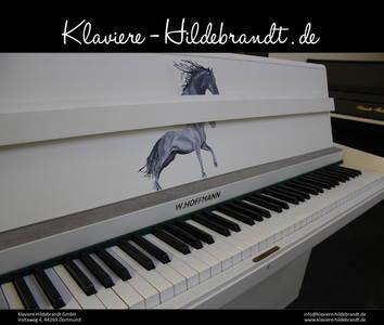 Klavier mit Pferd