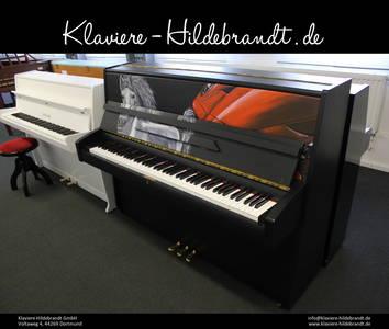 Klavier mit Pferdemalerei